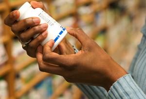 thinkstock_rf_photo_of_shopping_supplements
