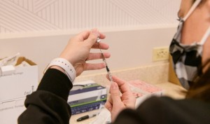 201216_COVID_ Vaccinations-034-1040x615